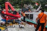 Lật tàu gỗ trên hồ Toba, một người Indonesia mất tích