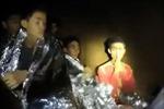 Người hùng tị nạn của đội bóng Thái Lan mắc kẹt trong hang Tham Luang