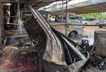 3 ô tô bị thiêu rụi trong bãi giữ xe gần sân bay Tân Sơn Nhất