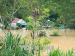 Sáng nay (19/8), mực nước trên sông Thương xuống chậm