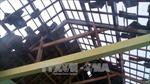 Hà Tĩnh: Lốc xoáy làm 13 nhà dân bị tốc mái