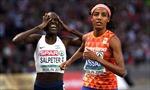 Ăn mừng sớm một vòng đua, VĐV chạy 5.000m khóc tức tưởi vì mất danh hiệu