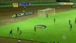 Cầu thủ U17 Burundi luyện 'Kung Fu' trúng cổ đối thủ