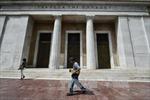 Ngân hàng Trung ương Hy Lạp cảnh báo những thách thức sau khi thoát khỏi chương trình cứu trợ
