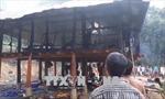 Chập điện, lửa thiêu rụi căn nhà sàn ở bản Co Sáng, huyện Tuần Giáo