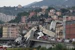 Toàn cảnh cầu sập hãi hùng, hàng chục ô tô lao theo làm 39 người chết ở Italy