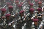 Venezuela diễu binh phô trương tinh thần quân nhân