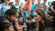 Angelina Jolie thăm trại tị nạn của người Syria