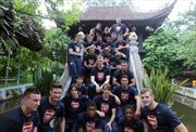 Arsenal thăm Chùa Một Cột