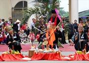 Trình diễn nghi thức sinh hoạt văn hóa dân gian