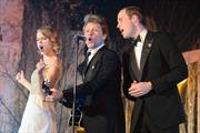 Hoàng tử Anh cùng hát với 'Công chúa' nhạc đồng quê