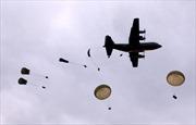 Lính Nga lần đầu tiên nhảy dù xuống Bắc Cực
