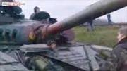 Phe ủng hộ Nga chặn xe tăng Ukraine