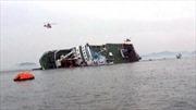 Đắm tàu chở 450 hành khách ở Hàn Quốc