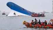 Gần như không còn hi vọng cứu nạn nhân chìm phà Hàn Quốc