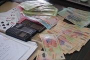 Bắt giữ 4 cán bộ kiểm toán đánh bạc