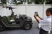 Bangkok trong ngày đầu thiết quân luật