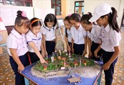Học sinh thi thiết kế mô hình về Hoàng Sa - Trường Sa