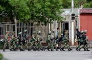 Trung Quốc tử hình 12 tên khủng bố Tân Cương