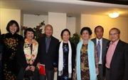 Phó Chủ tịch nước Nguyễn Thị Doan gặp cộng đồng tại Pháp