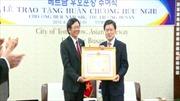 Trao Huân chương Hữu nghị cho Thị trưởng Busan, Hàn Quốc