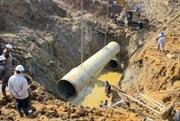 Đường ống nước sông Đà lại vỡ