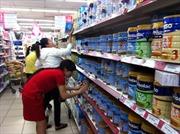 """Vẫn """"loạn"""" giá sữa bán lẻ"""