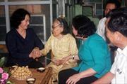 Phó Chủ tịch Quốc hội Nguyễn Thị Kim Ngân thăm, tặng quà đối tượng chính sách