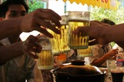 Đề xuất cấm bán rượu bia sau 22 giờ