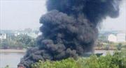 Cháy tàu chở 5.000 lít dầu, 1 người thiệt mạng