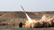 Iran 'tung' tên lửa tầm ngắn, máy bay không người lái thế hệ mới