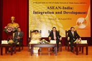 Phó Thủ tướng Phạm Bình Minh hội đàm với Ngoại trưởng Ấn Độ