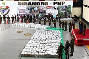Peru thu giữ gần 8 tấn cocaine