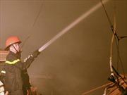 Cháy lớn thiêu rụi cửa hàng tạp hóa ở Thái Bình