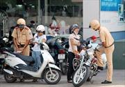 Tạm giữ nữ đối tượng tấn công Cảnh sát giao thông