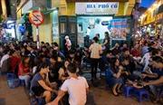 Bán bia vỉa hè: Băn khoăn cấm hay không