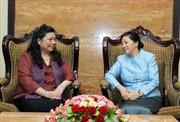 Phó Chủ tịch Quốc hội Tòng Thị Phóng chào xã giao Chủ tịch Quốc hội Lào