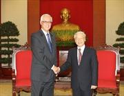 Tổng Bí thư Nguyễn Phú Trọng tiếp nguyên Thủ tướng Singapore Goh Chok Tong