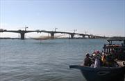 Hợp long cầu Cửa Đại bắc ngang sông Thu Bồn