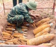 Phát hiện hơn 150 quả bom, đạn sót lại ở Lao Bảo