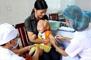Phó Chủ tịch nước Nguyễn Thị Doan phát động Chiến dịch tiêm vắc xin sởi – rubella
