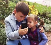 Trẻ em Séc dùng điện thoại quá sớm