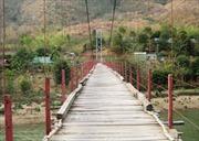 Những cây cầu nguy hiểm trên thượng nguồn sông Mã