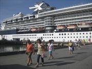 Tàu du lịch Celebrity Millennium cập cảng Chân Mây