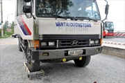 Cán bộ trạm cân bị hành hung khi xử lý xe quá tải
