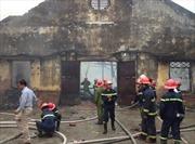 Dập tắt đám cháy ở Pháo Đài Láng, Hà Nội