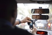 Lái xe taxi Paris biểu tình phản đối dịch vụ Uber