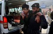 Taliban thảm sát trường học Pakistan, bắn chết hơn 100 trẻ em