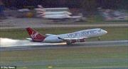 Máy bay Anh hạ cánh khẩn cấp 'thần kỳ'