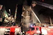 8 căn nhà bị cháy, một người chết